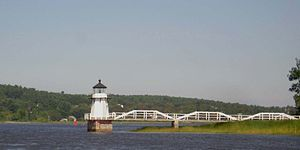 Doubling Point Light - Image: Doubling Point Light Maine with bridge