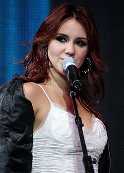 roberta christian personals Dulce maría dating history, 2018, 2017, list of dulce maría relationships  (rebelde co-star and best friend), christian  roberta pardo, roberta pardo rey:.