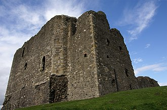 Dundonald Castle - Image: Dundonald Castle 20080424 from south west