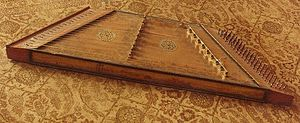 Dulcimer - Image: Early dulcimer made in Belgium