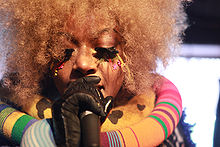 Description de l'image Ebony Bones by Kris Krug.jpg.