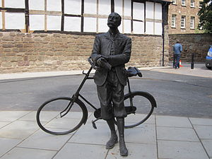 Frank Schuster (music patron) - Edward Elgar statue, Hereford