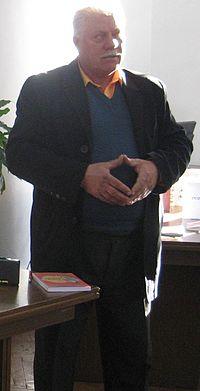Efim Tarlapan (umorist, scriitor) (6358641185) (cropped).jpg
