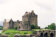 Eilean Donan Castle on Loch Duich, West Highlands - geograph.org.uk - 42709.jpg