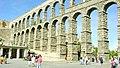 El Acueducto de Segovia, uno de los monumentos más significativos del periodo romano en España. - panoramio.jpg