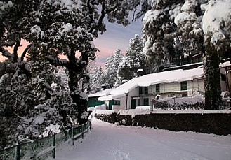 Mussoorie - Mussoorie experiences heavy snowfall during winter