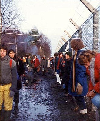 Anti-nuclear movement in the United Kingdom - Image: Embracing the base, Greenham Common December 1982 geograph.org.uk 759090