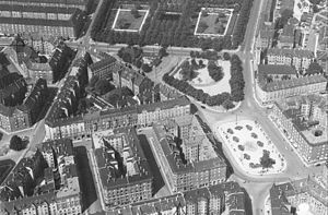 Enghave Plads - The square seen from the east, c. 1950. A narrow slice of Enghave Park can be seen at the top