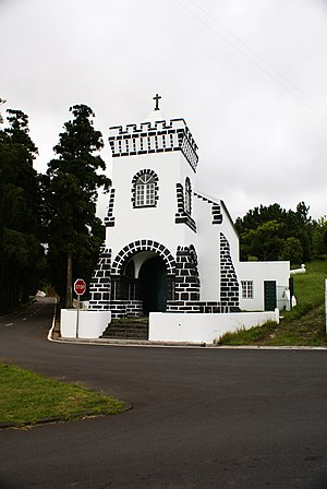 Flamengos - The chapel of São João, in the foothills of Flamengos is the focus of annual festivals on 24 June