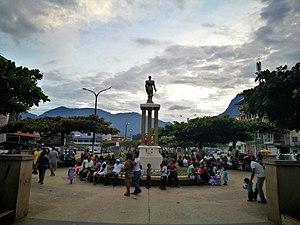 Tingo María - Image: Estàtua de Leoncio Prado a l'Avenida 'Alameda Perú, Tingo María