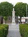 FR 17 Villeneuve-la-Comtesse - Monument aux morts.JPG