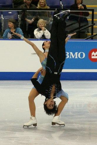 Figure skating lifts - Federica Faiella / Massimo Scali perform a reverse lift.