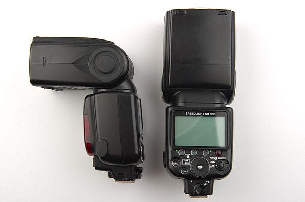 600px-Flash_-_Speedlight_-_SLR_Flash_-_Studio_picture_2011.jpg