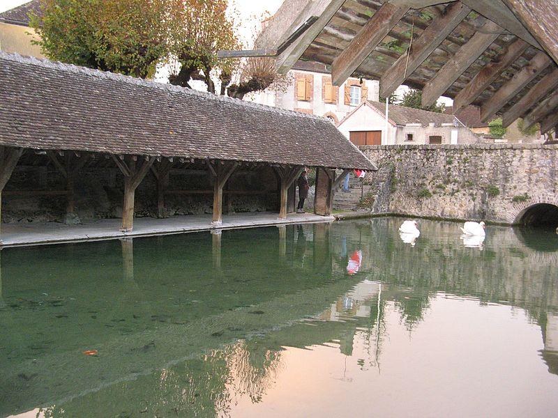 Fontaine-la-Gaillarde: le lavoir
