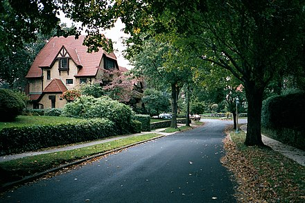 Forest Hills, Queens in New York City area is an affluent area with a population of wealthy mainline Protestants Forest Hills Gardens, Queens, NY.jpg