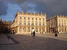 Description de l'image France-Nancy-Place Stanislas 1 2007-03.jpg.