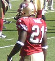 Frank Gore on field pregame at Eagles at 49ers 10-12-08 1.JPG
