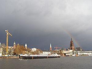 Frankfurt katedra tecza 2.jpg