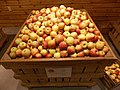 Fuji Apples (126311895).jpeg