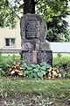 Gedenkstein für die Kriegsgefallenen in Laue 2014.jpg