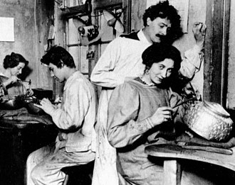Georg Jensen - Georg Jensen in his workshop in Copenhagen, 1906