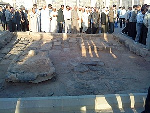 Aqeel ibn Abi Talib - Grave Abdullah bin Jafar(left)and Aqeel bin abi Talib, Jannat-ul-Baqi,Medina