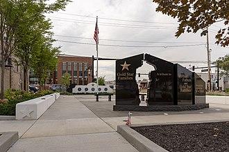 Grove City, Ohio - Image: Grove City Gold Star Memorial Monument 1