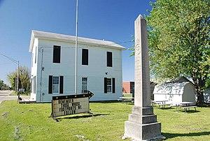 Groveland-war-memorial.jpg