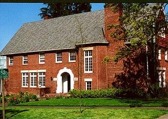 Gutenberg College - Image: Gutenberg College