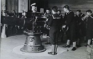HMAS Cerberus (naval base) - Recruits train at HMS Cerberus during World War II