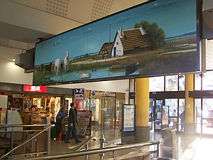 Relay (shop) - Relay shop in the Gare d'Arles.