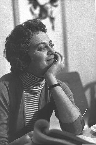 Hanna Maron - Maron during a rehearsal in 1957