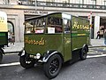 Harrod's Electric Vehicle No. 952 EYT382.jpg