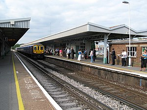 Haywards Heath railway station - Northbound view of platform 2 in 2008