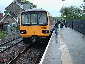 Headingley railway station - 144008 at Headingley, May 2006. Class 144 Diesel Multiple Unit.