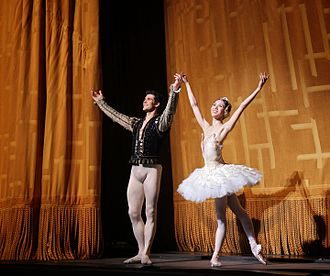 Roberto Bolle - Hee Seo and Roberto Bolle, 28 June 2014