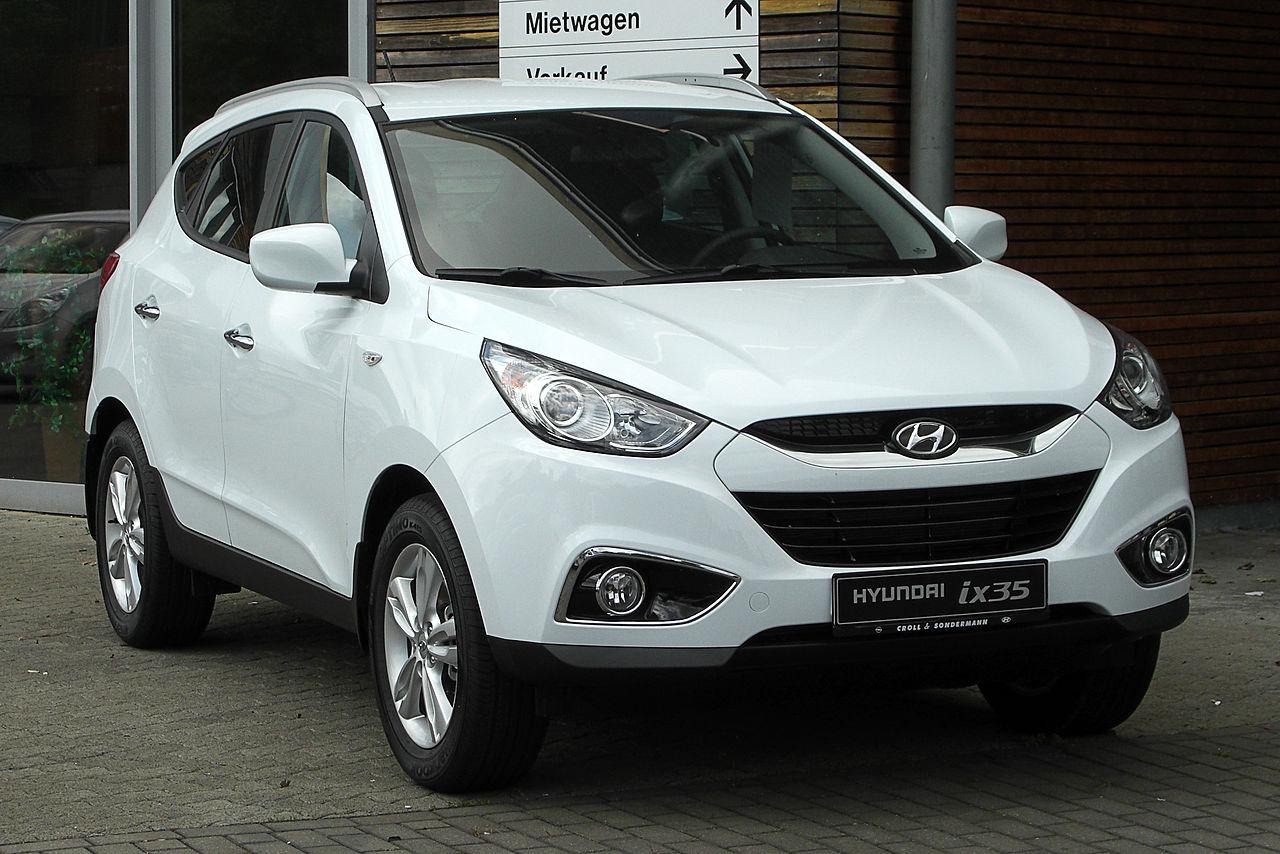 4wd Car Rental >> File:Hyundai ix35 2.0 4WD Premium – Frontansicht, 29. Mai 2011, Heiligenhaus.jpg - Wikimedia Commons