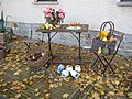 Idyllische Sitzgruppe am Herbstmorgen - panoramio.jpg