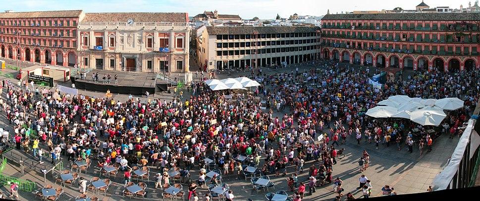Inicio de la manifestaci%C3%B3n en la Plaza de la Corredera.jpg