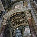 Interieur, Gewelf en pilasters in het transept - Oudenbosch - 20383984 - RCE.jpg