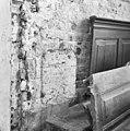 Interieur, nisje in de oost muur van het koor ten zuiden van de secundaire toegang - Baflo - 20027467 - RCE.jpg