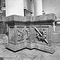 Interieur detail van het grote grafmonument - Batenburg - 20028260 - RCE.jpg
