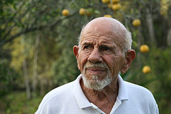 Jacque Fresco and lemon tree.jpg