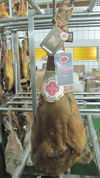 "Jamón ibérico - BEHER Guijuelo ""Bellota Oro"" was elected as ""Best ham in the world"" at the IFFA Delicat in 2007 and 2010."