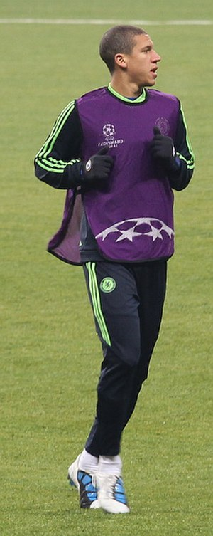 Jeffrey Bruma - Bruma warming up before a Champions League match.