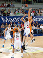 Jump ball - Real Madrid vs Fuenlabrada - Ante Tomić vs Gustavo Ayón.jpg