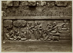 KITLV 28044 - Kassian Céphas - Relief of the hidden base of Borobudur - 1890-1891.tif