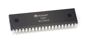Motorola 6809 - 1 MHz Motorola 6809P processor, is a C65P mask set manufactured the tenth week of 1992.