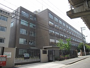Kansai University Hokuyo junior high school and high school.JPG