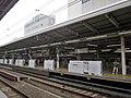 Keikyu Yokohama Station platform 201908.jpg